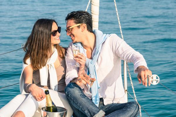 romantic-sailing-couple