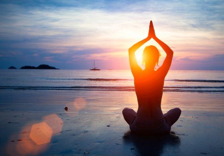 beach-yoga-in-lisbon