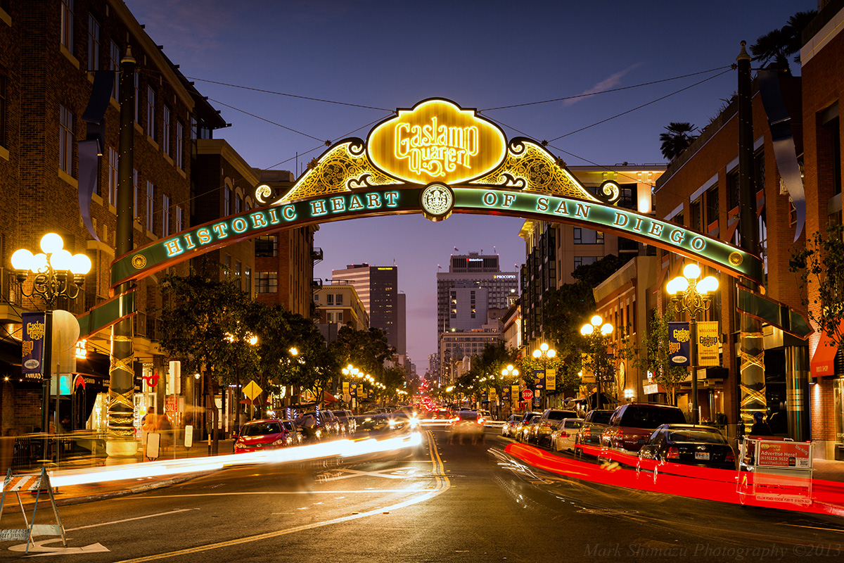 A Night in Gas Lamp